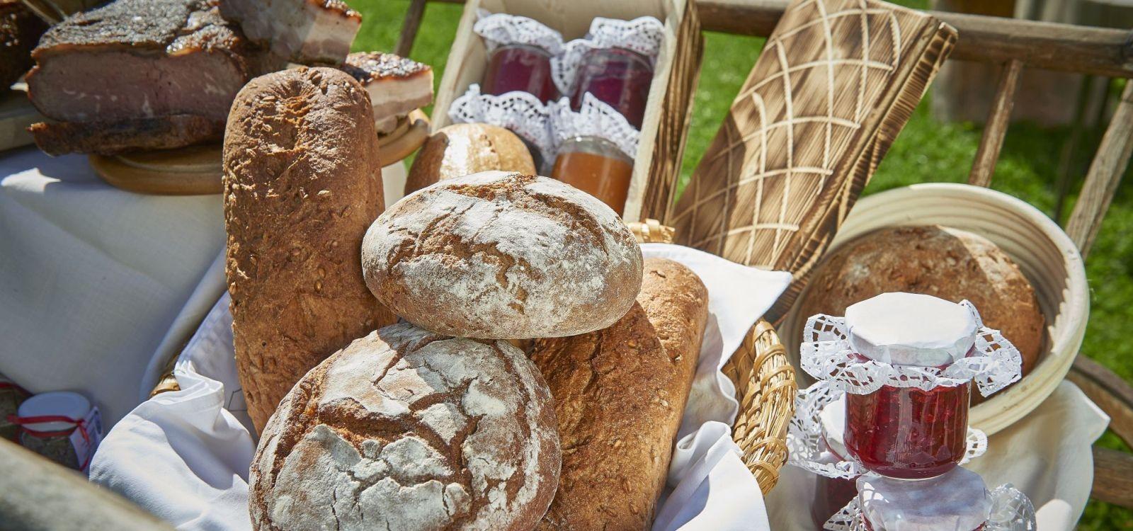 Brot und Marmeladen